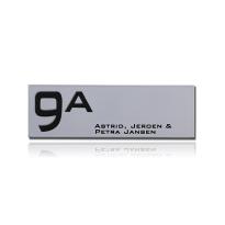 Emaille huisnummer met naam grijs, 280 x 90 mm