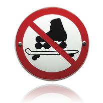 Emaille verbodsbord 'Verboden voor skeelers en/of skateboards' rond