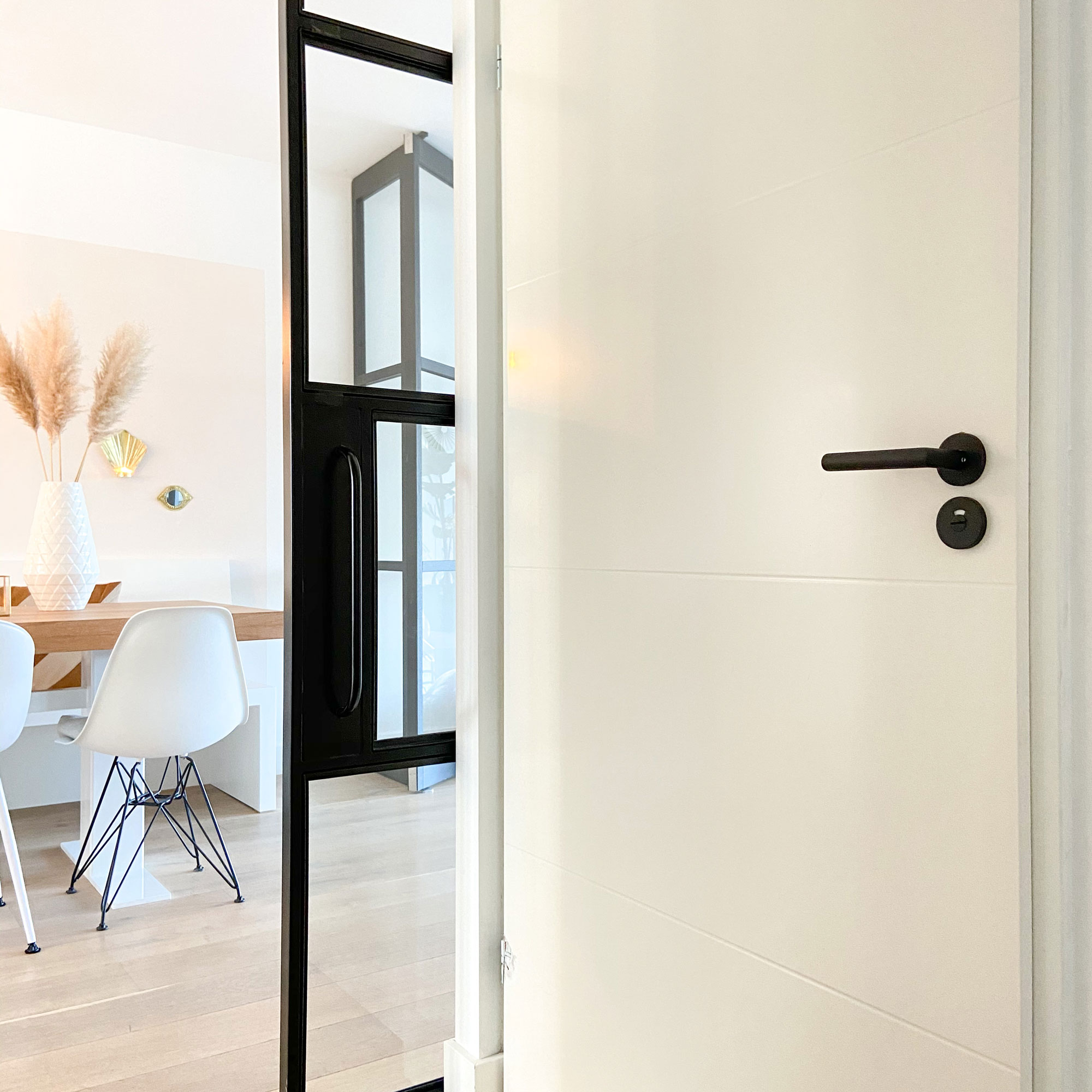 Sfeerimpressie GPF810VZ deurkruk op rozet GPF8903VZ toiletgarnituur.jpg