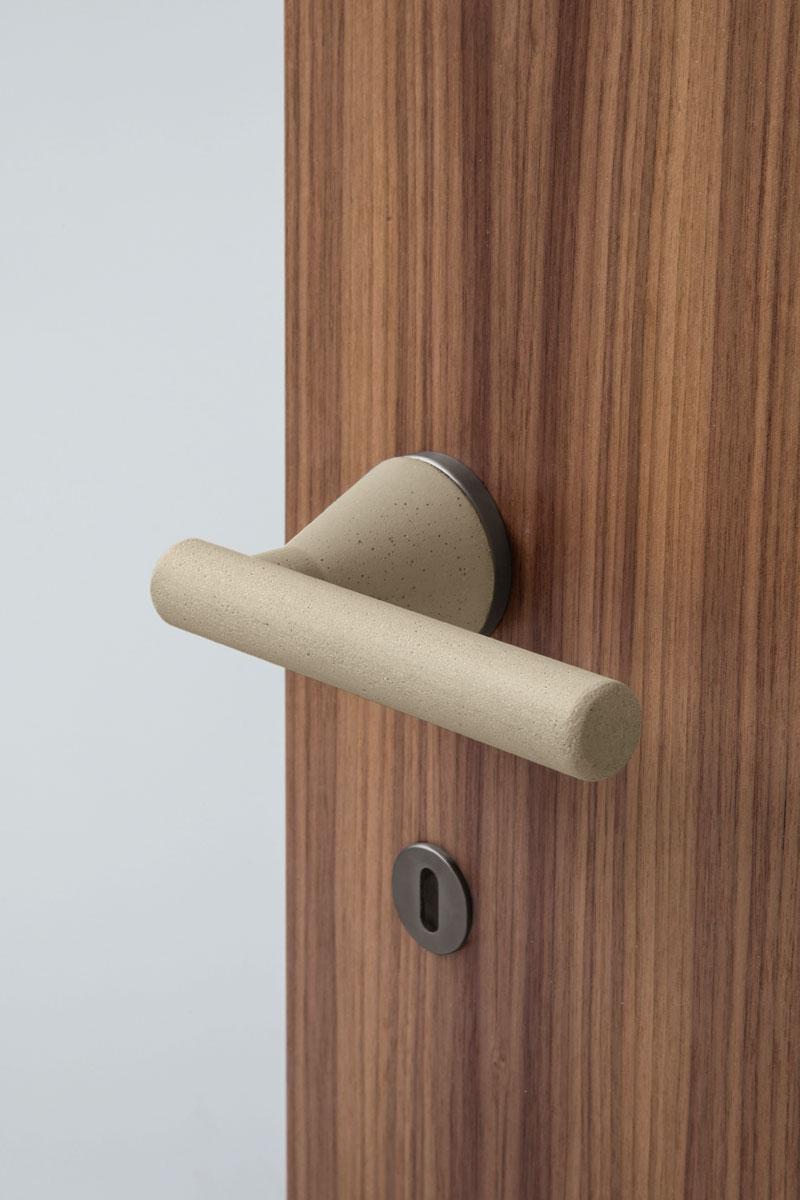 Sfeerimpressie TH5802146 Juno deurkruk op rozet.jpg