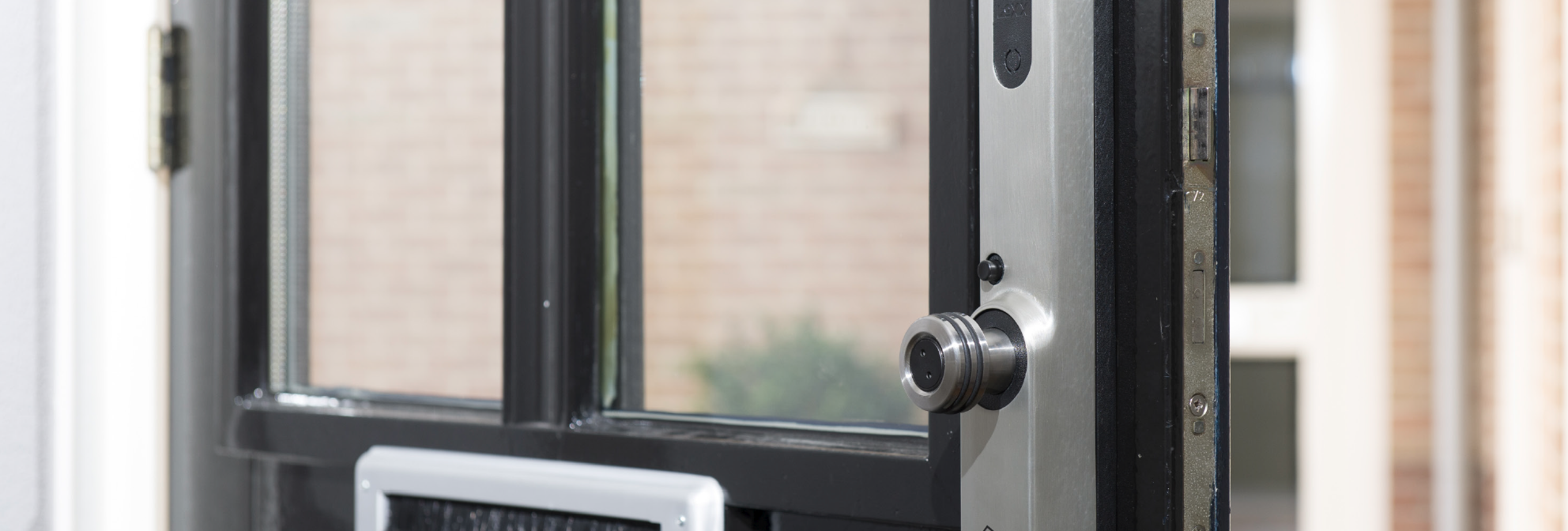 Voordeur met Invited smart lock